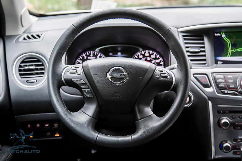NissanPathfinderSL_White_XXXXXXX-8436.jpg