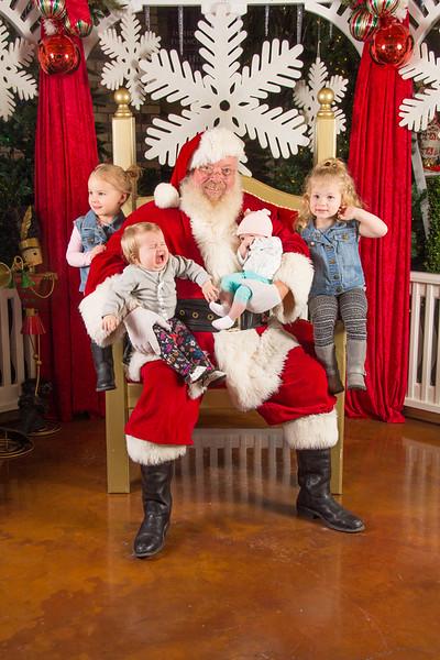 Santa 12-16-17-426.jpg