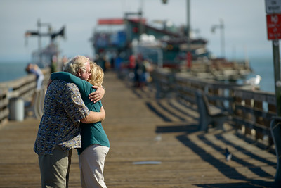 6503_d800b_Michael_and_Rebecca_Capitola_Wharf_Couples_Photography