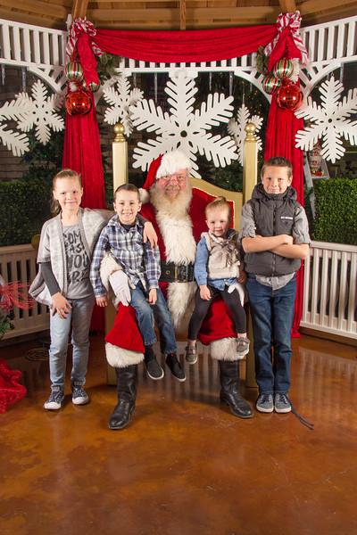 Santa 12-16-17-206.jpg