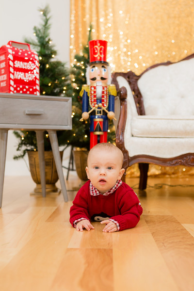 FADS Picture with Santa-160.jpg