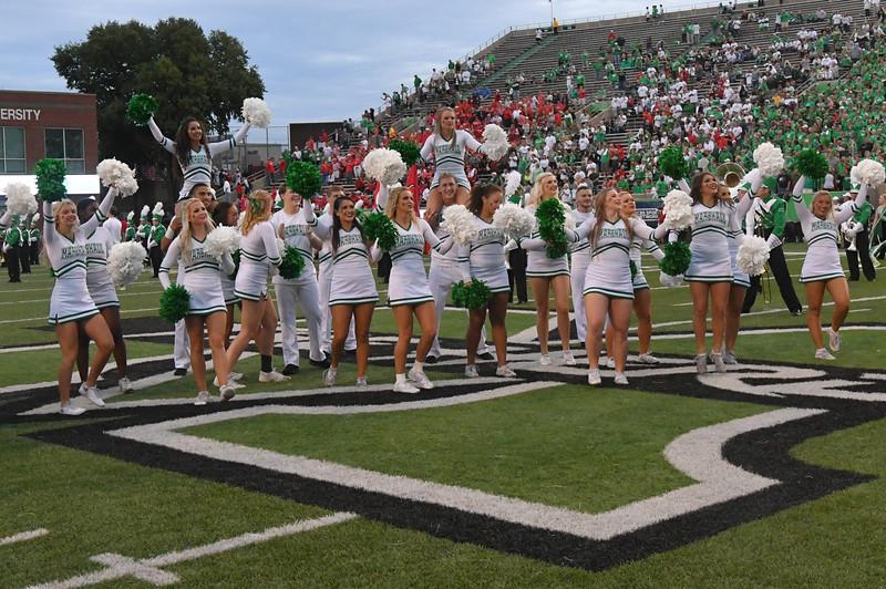cheerleaders0504.jpg