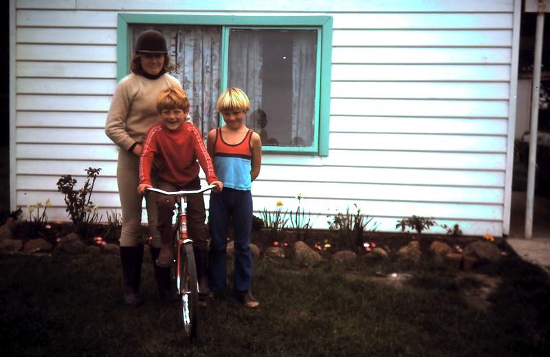1977-8 (17) Allen 6 yrs, Susan 12 yrs, Andrew 8 yrs.JPG