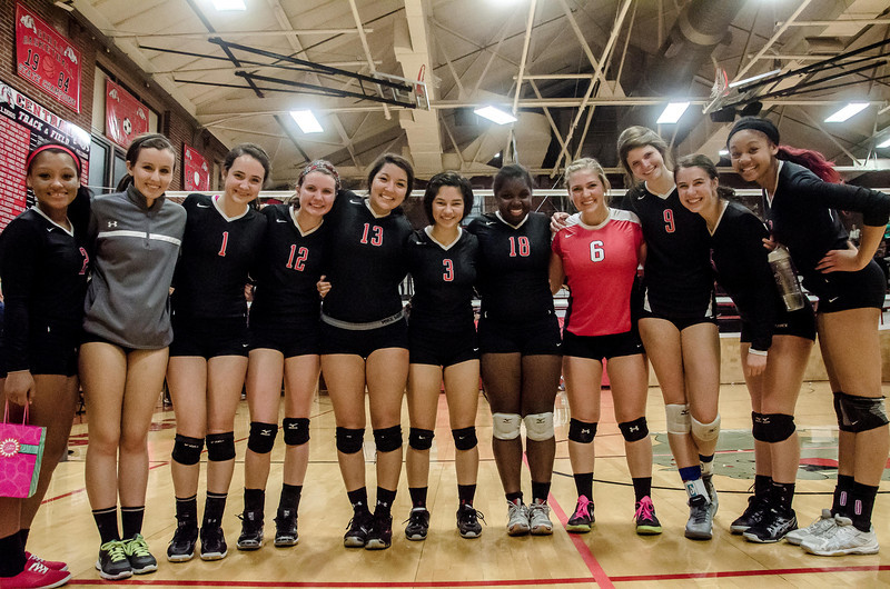 Volleyball team pic color-3310.jpg