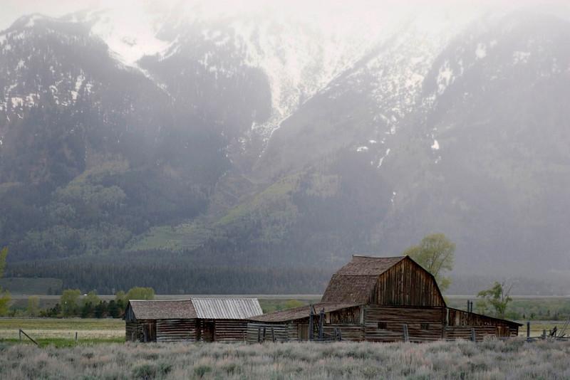 mormon-barn1.jpg