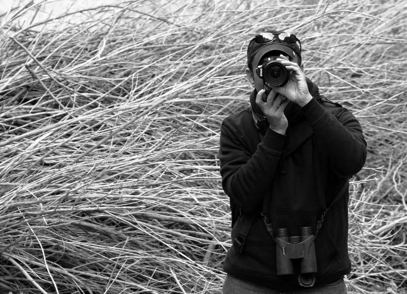 1b42 20141124_0581 crp bw BlueFilter Surya shooting.jpg