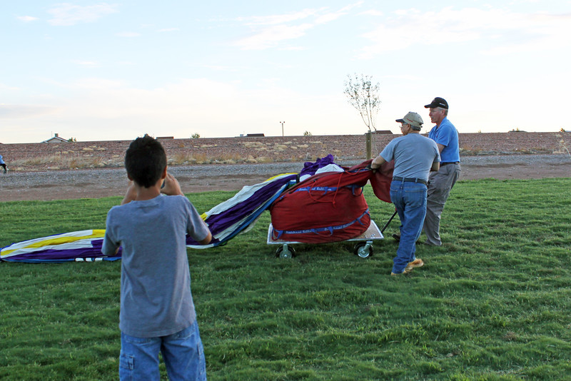 IMG_8133 laying out balloon.jpg