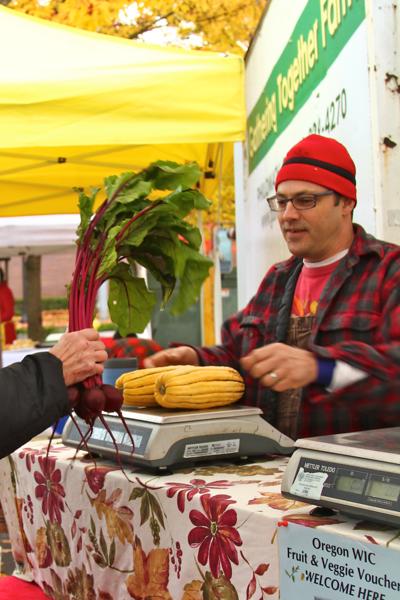 Beaverton Harvest Market 2011  3717.png