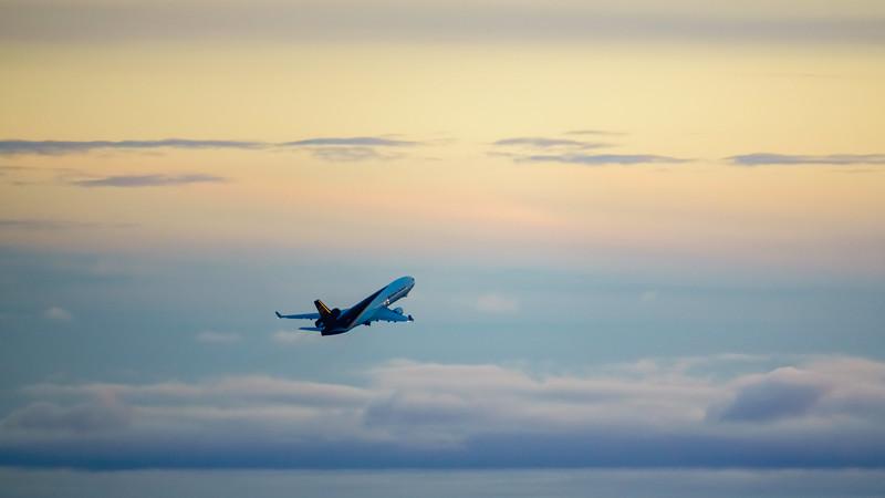 120220_airfield_cargo_ups-027.jpg