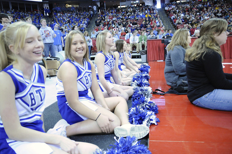 cheerleaders (7).JPG