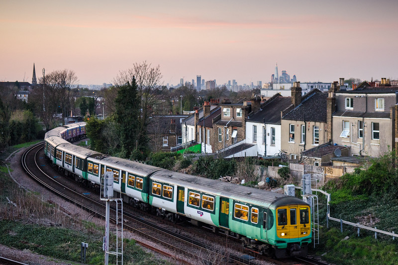 Commuter train at Tulse Hill