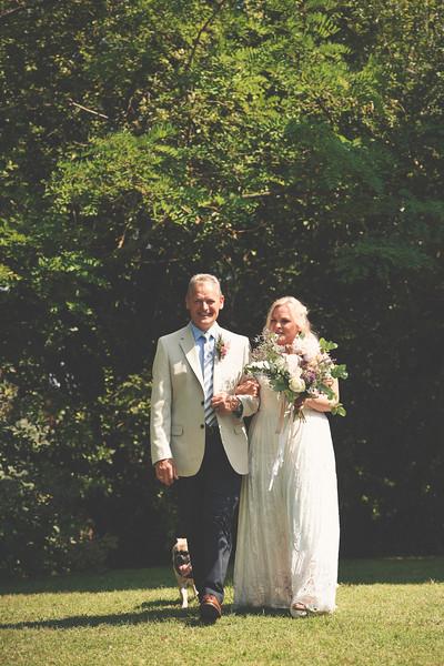 Awardweddings.fr_Amanda & Jack's French Wedding_0218.jpg