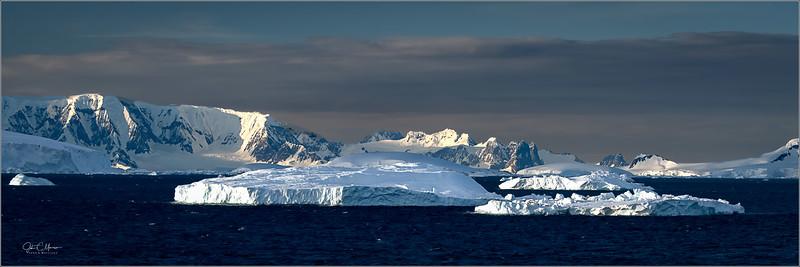 J85_7257 Iceberg Sunset pano LPTW.jpg