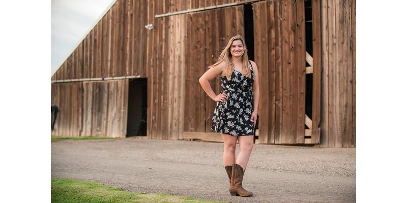 Lexi's Senior Portrait Album 08.jpg