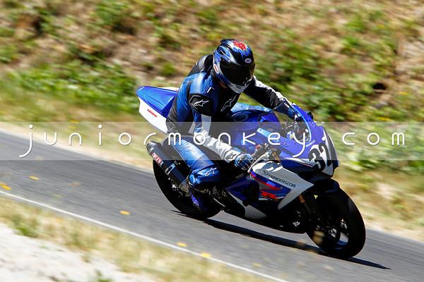 #32 - Blue White GSXR