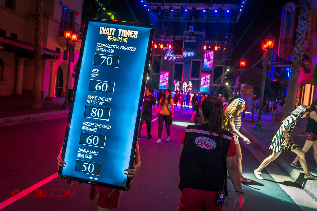 Halloween Horror Nights 7 Survival Guide - Wait Times Board