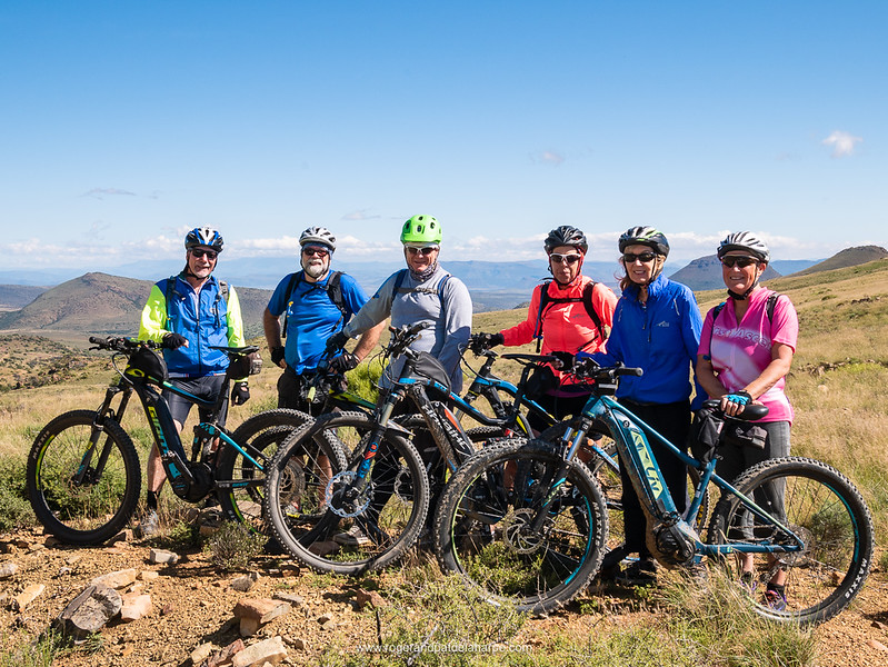 The team on top of Elandskloof Pass from left: Dave, Roger, Howard, Debbie, Pat and Joy