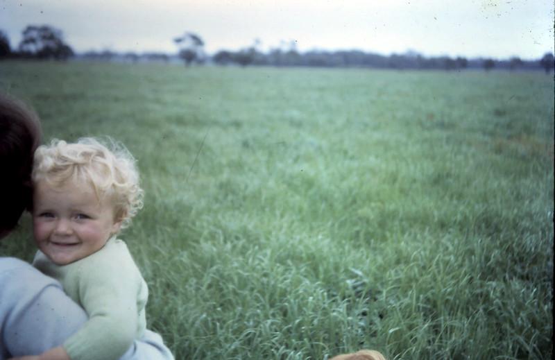 1966-10-30 (18) Susan 1 yr 3 mths.JPG
