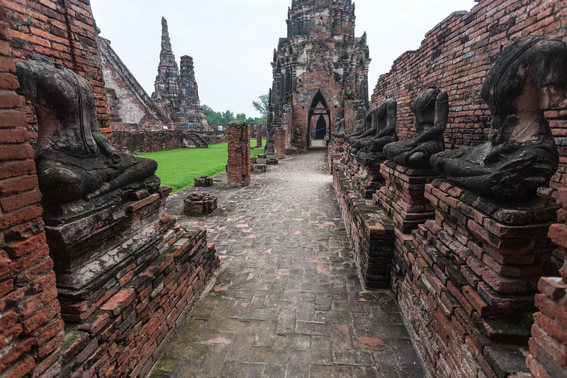 Wat Yai Chaimongkol (7 of 9).jpg