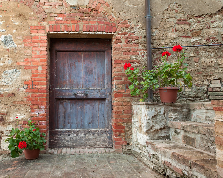 Door and Geraniums , Lucignano d'Asso , Tusacny