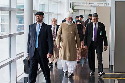 Hazrat Khalifatul-Masih V Arrives in USA