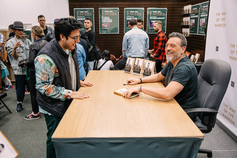 2019_2_28_TWOTW_BookSigning_SP_198.jpg