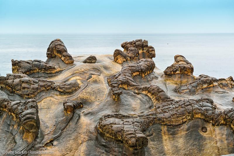 rock formations at Yehliu Geopark