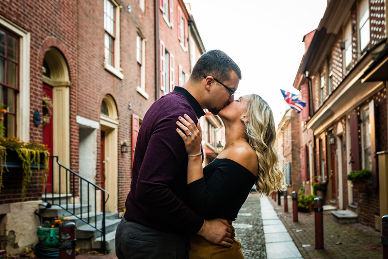 MICHELLE AND NICK - OLD CITY ENGAGEMENT SESSION - 16.jpg