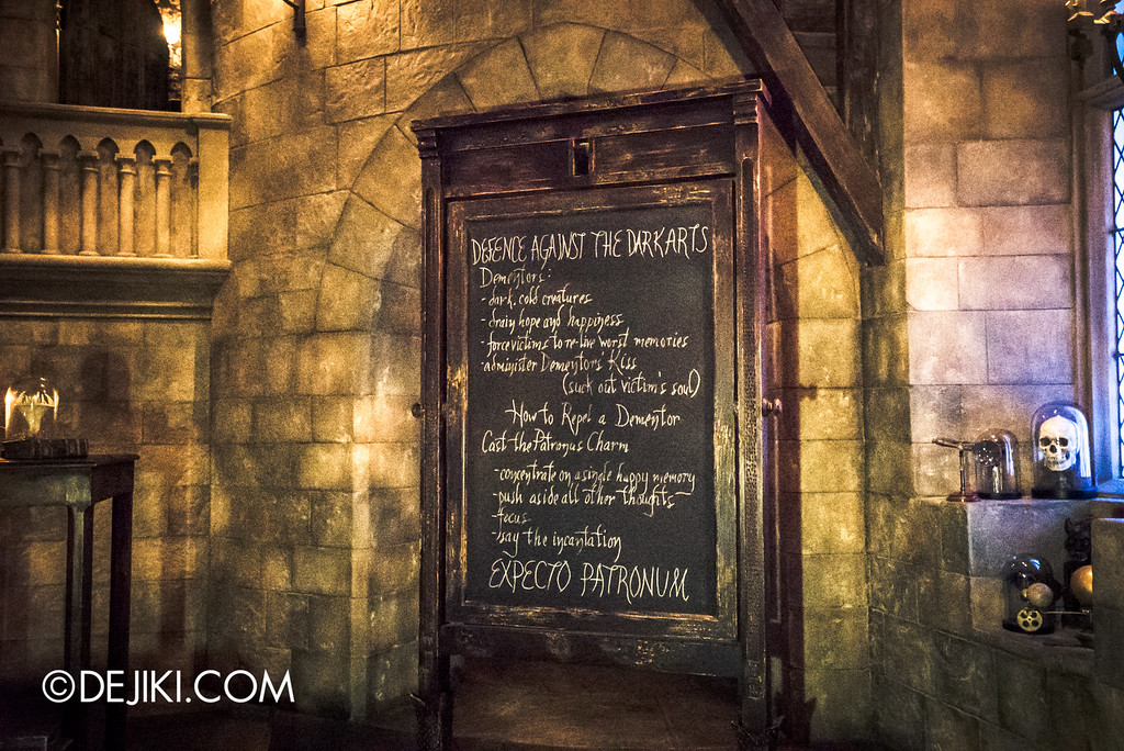 Universal Studios Japan - Harry Potter and the Forbidden Journey / Hogwarts Castle Walk Tour - Defence against the Dark Arts classroom, Patronus Charm