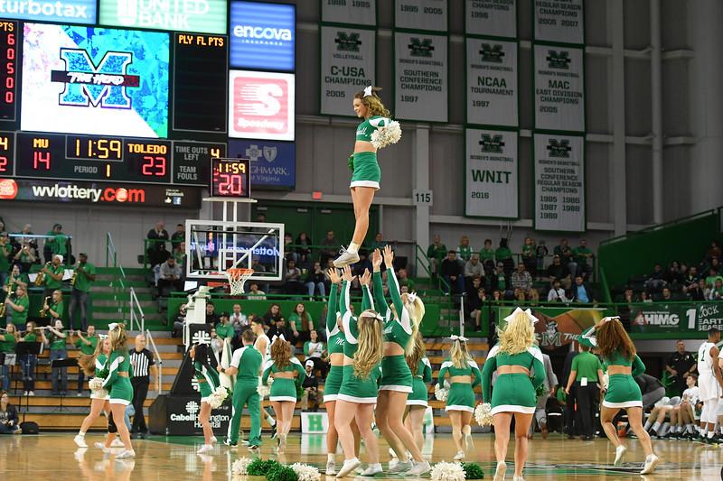 cheerleaders8316.jpg