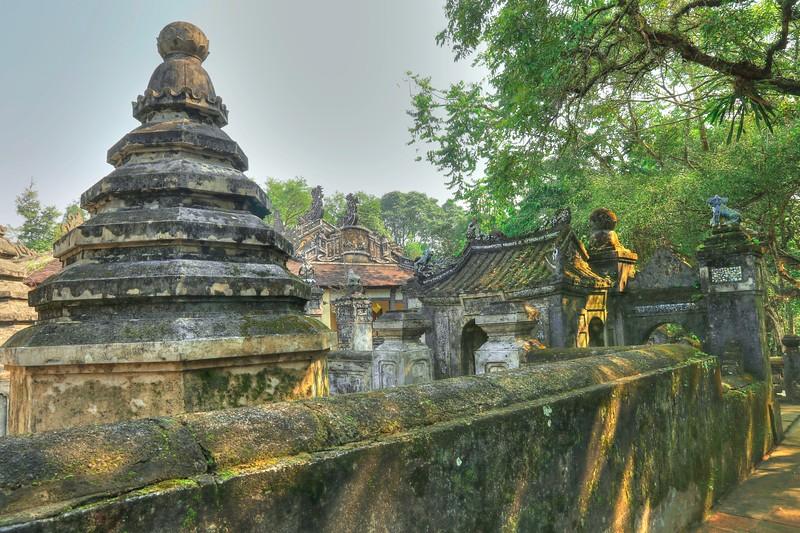 Tombs of eunuchs - Tu Hieu Pagoda.
