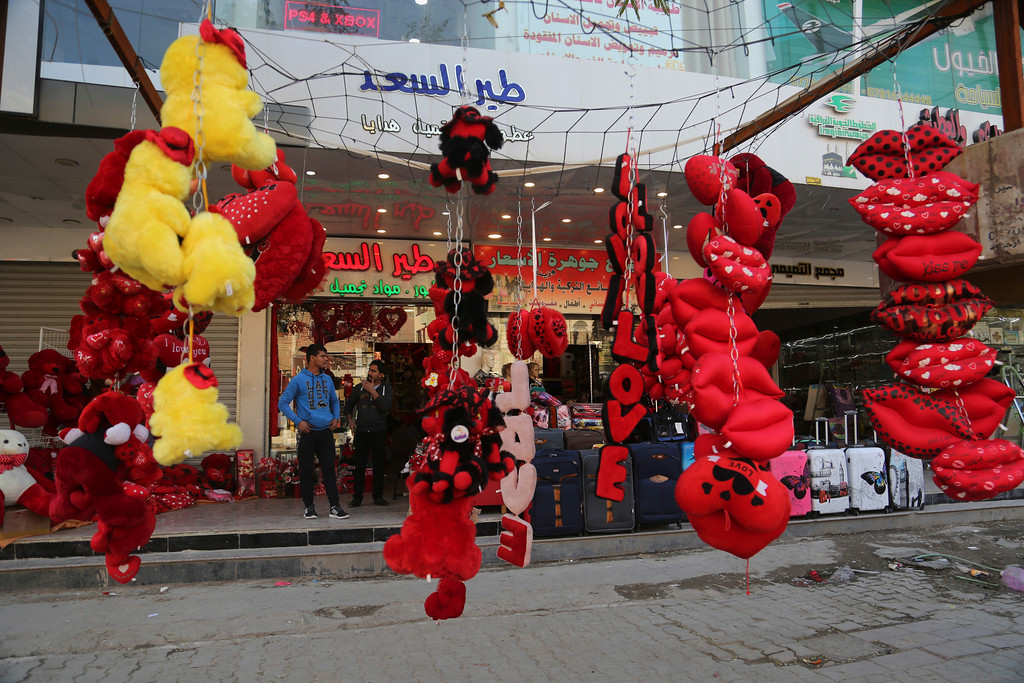 . Valentine\'s Day gifts are displayed for sale in central Baghdad, Iraq, Tuesday, Feb. 14, 2017. Some Iraqis celebrate the western holiday, Valentine\'s Day, with their loved ones. (AP Photo/ Khalid Mohammed)