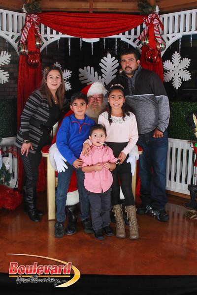 Santa 12-17-16-515.jpg