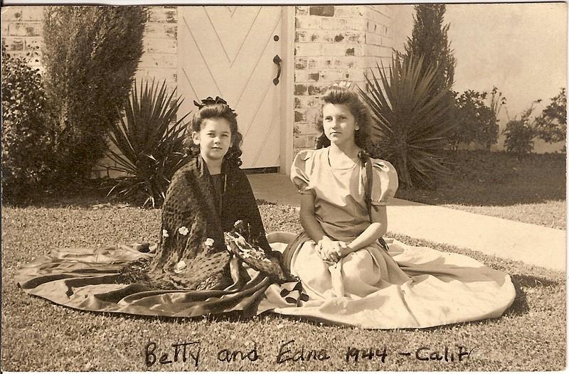 Betty & Edna 1944, CA.jpg