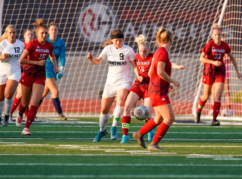 CCHS-vsoccer-pineview0346.jpg
