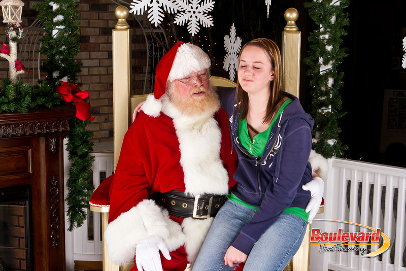 Santa Dec 8-229.jpg
