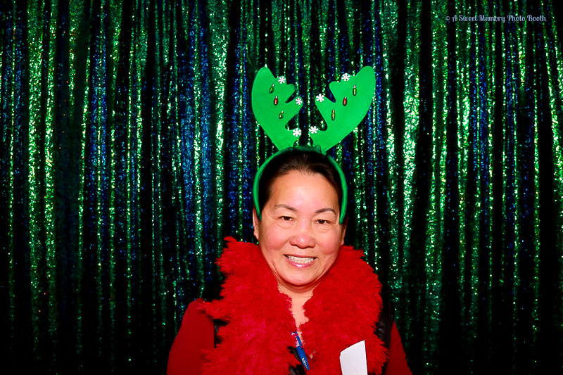 Medtronic Holiday Party -367.jpg