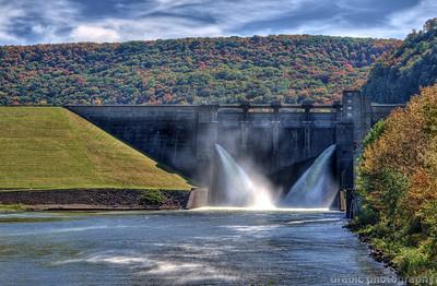 The Kinzu Dam and Bridge