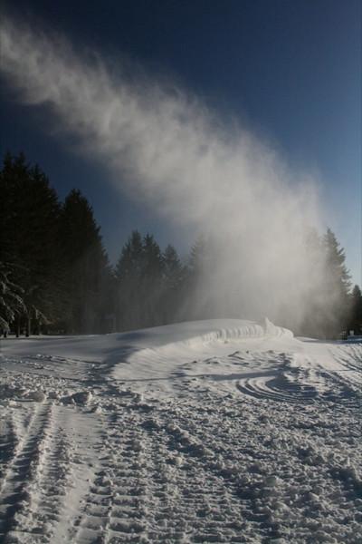 SnowTrailsOpeningDay12_11_09_005.jpg