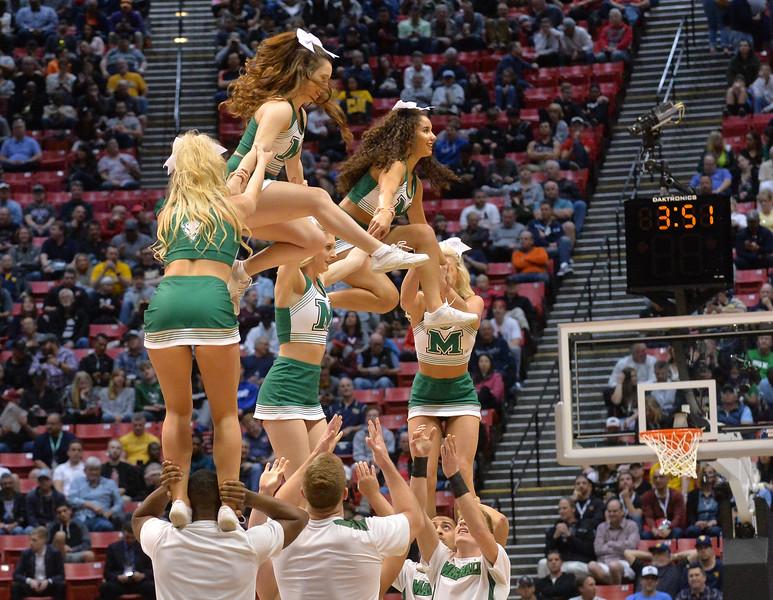 cheerleaders4265.jpg