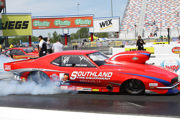 Top Dragster and Top Sportsman Action