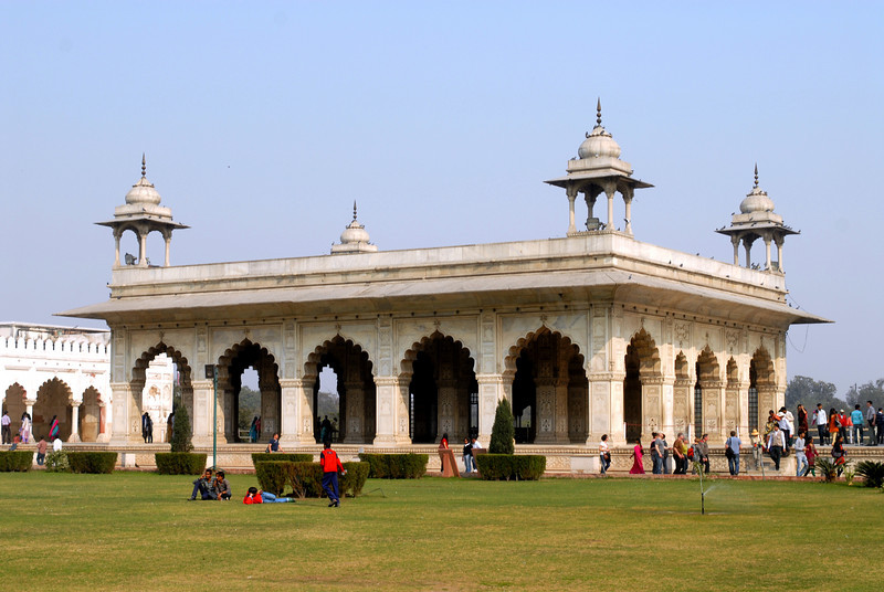 red fort white bldg 2.jpg