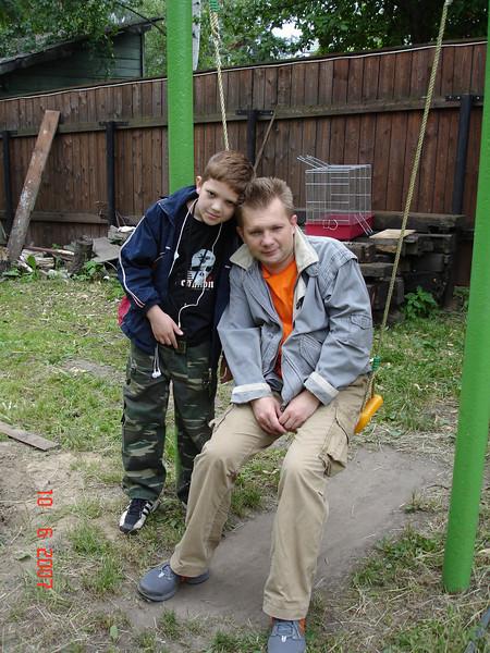 2007-06-10 У Князевых на даче 04.jpg