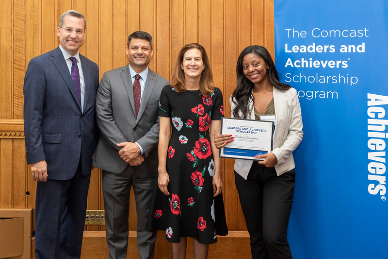 Comcast Leaders and Achievers Scholarship Program 2019