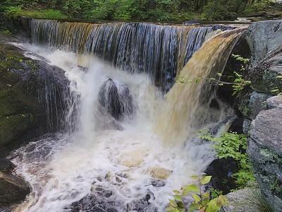 CT, Granby - Enders State Park Falls