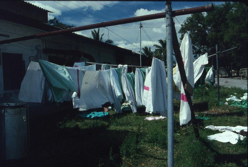 pampanga'94.laundry drying.jpg