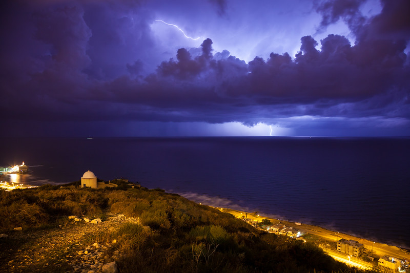 Dramatic night storm