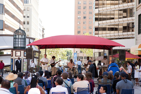 2012.08.29 Oakland City Center Summer Sounds Concerts-Pure Ecstasy