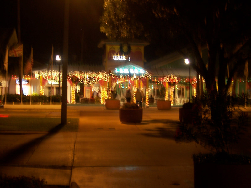 A little blurry, but this is the entrance to the marketplace area.