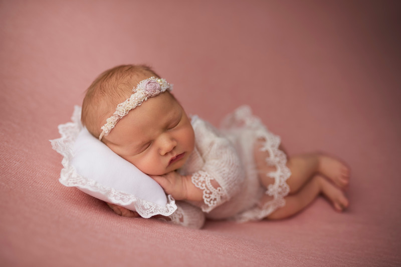 newborn-photographer-medford-NJ-3.jpg